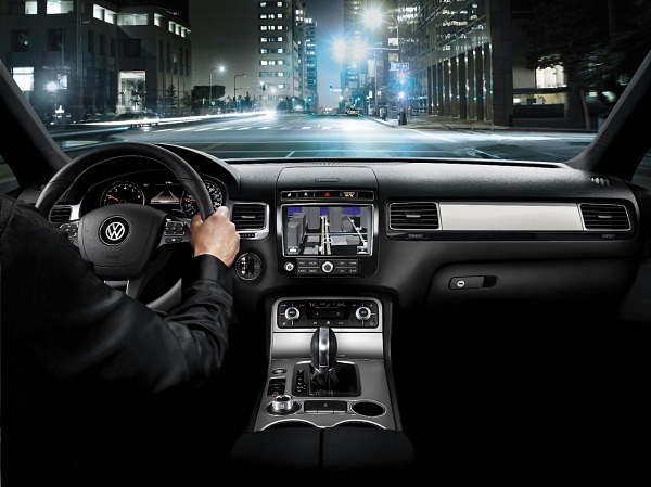Interior Features of 2017 Volkswagen Touareg