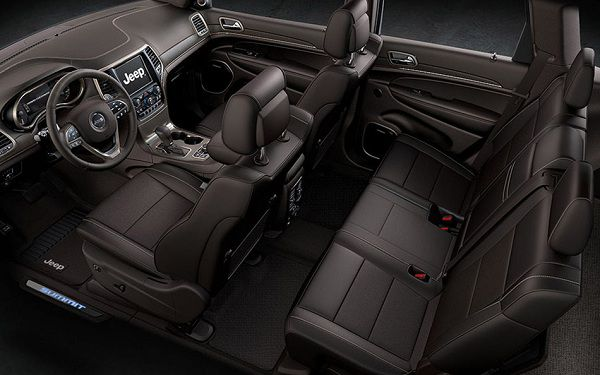 Interior of 2017 Jeep Grand Cherokee